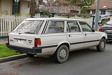 1984_Peugeot_505_SR_station_wagon_(2015-07-10)_02.jpg