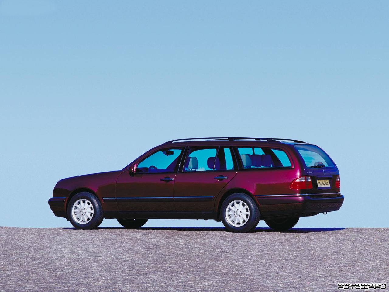 Mercedes_Benz-E_Class_Estate_S210_mp35_pic_76684.jpg