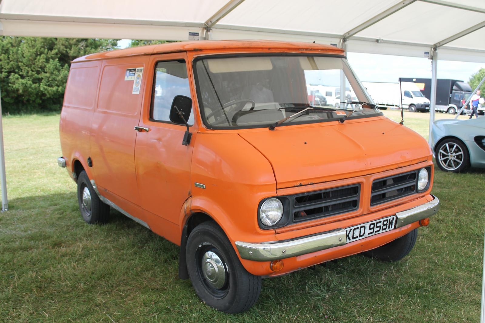 1980_Bedford_CF_van_(14574397562).jpg