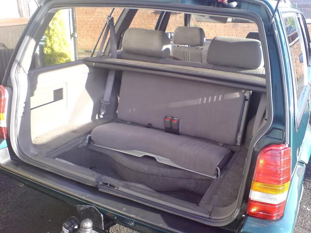 rover-montego-estate-xe-9030.jpg