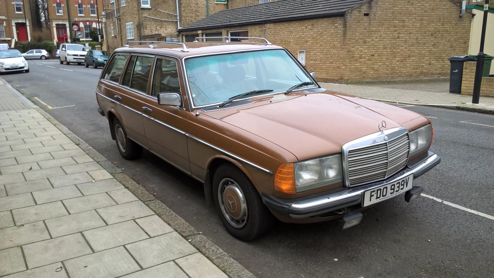 Merc W123 Brownness.jpg