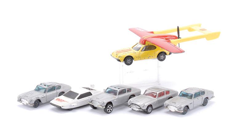 Corgi Juniors E2009 Aero Car + Bond models.png