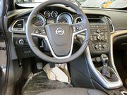 1280px_Opel_Cascada_Cockpit.jpg