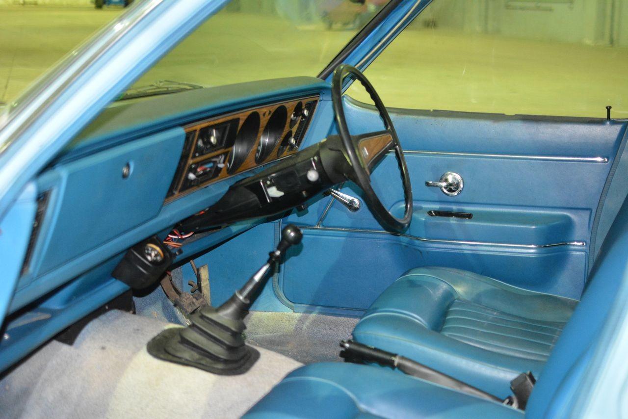 1972 Vauxhall Victor Estate interior.jpg