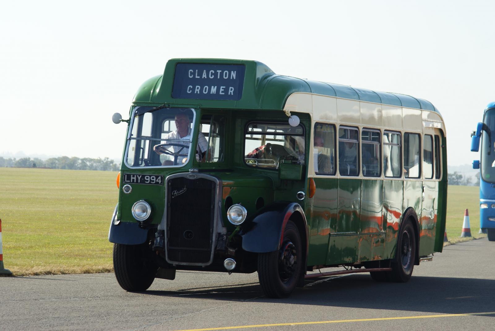 Bristol_Omnibus_bus_2447_(LHY_994),_Showbus_2009_(2).jpg