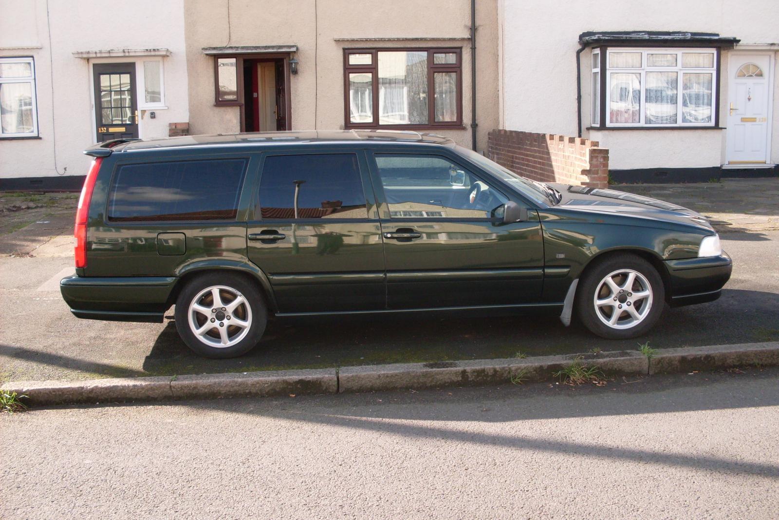 Green Volvo.JPG