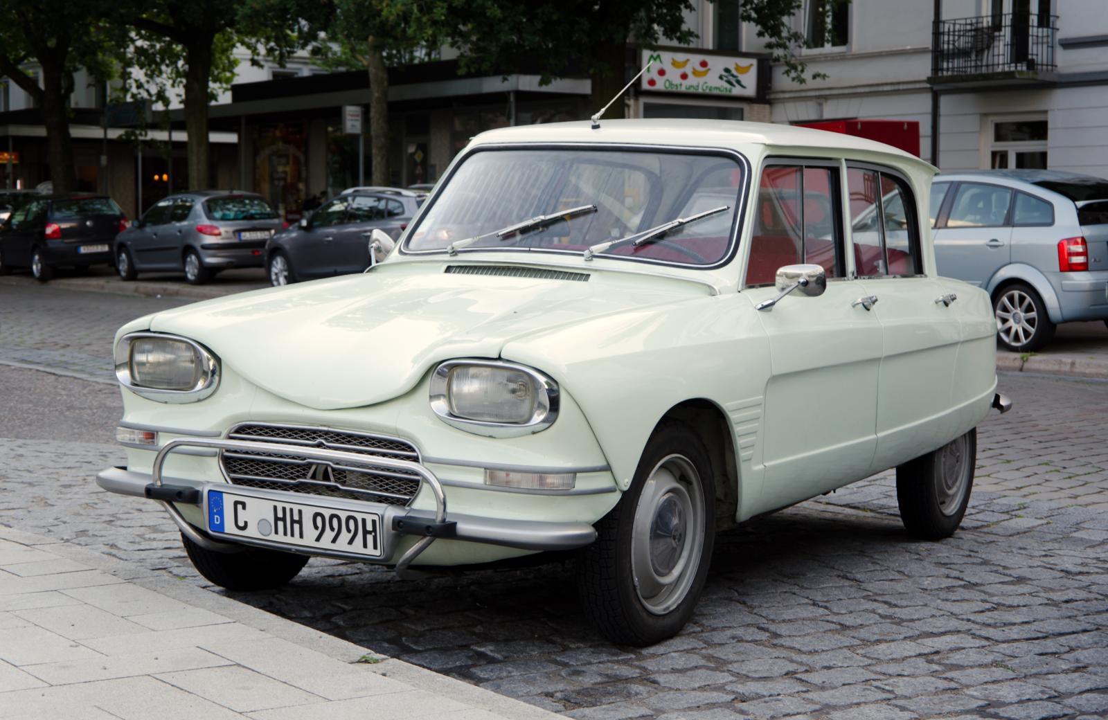 Citroën_Ami_6.jpg