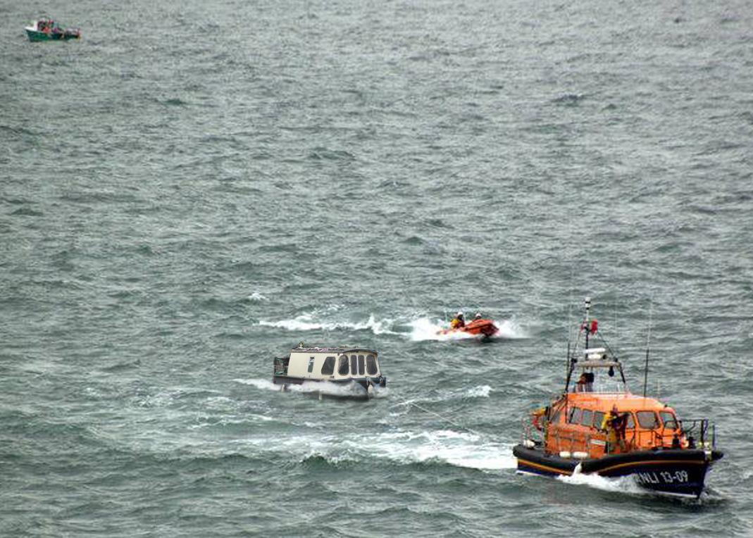 Narrow boat rescue 01 c.jpg