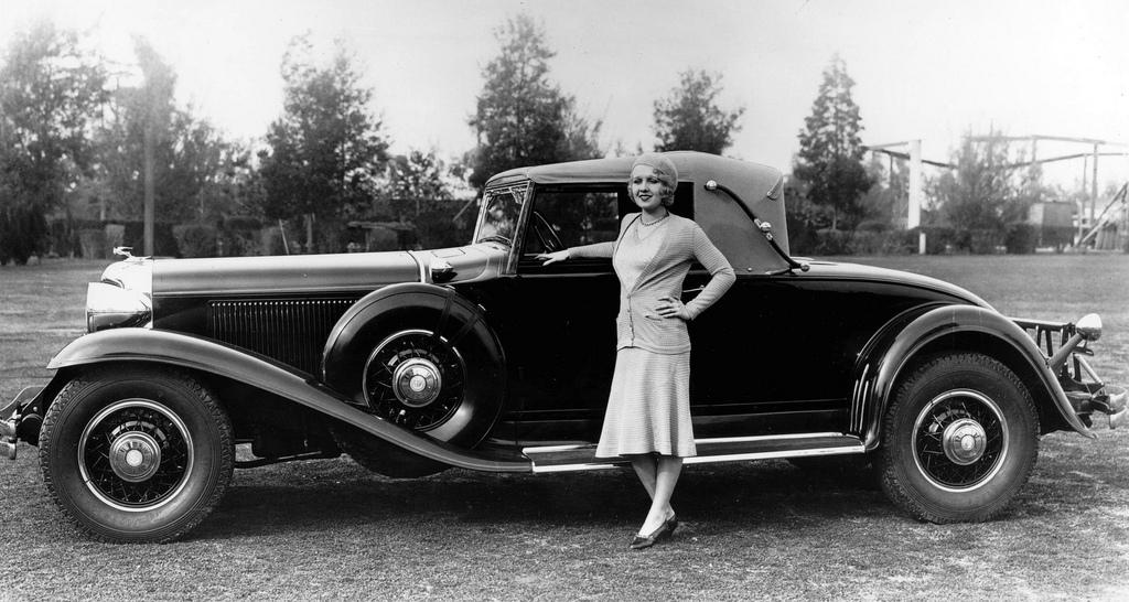 1931 Chrysler Imperial Roadster.JPG