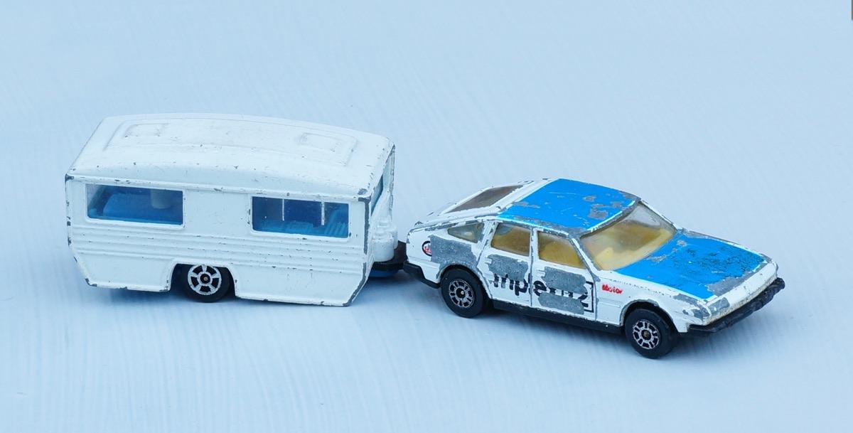 Corgi-SD1-and-Caravan.jpg