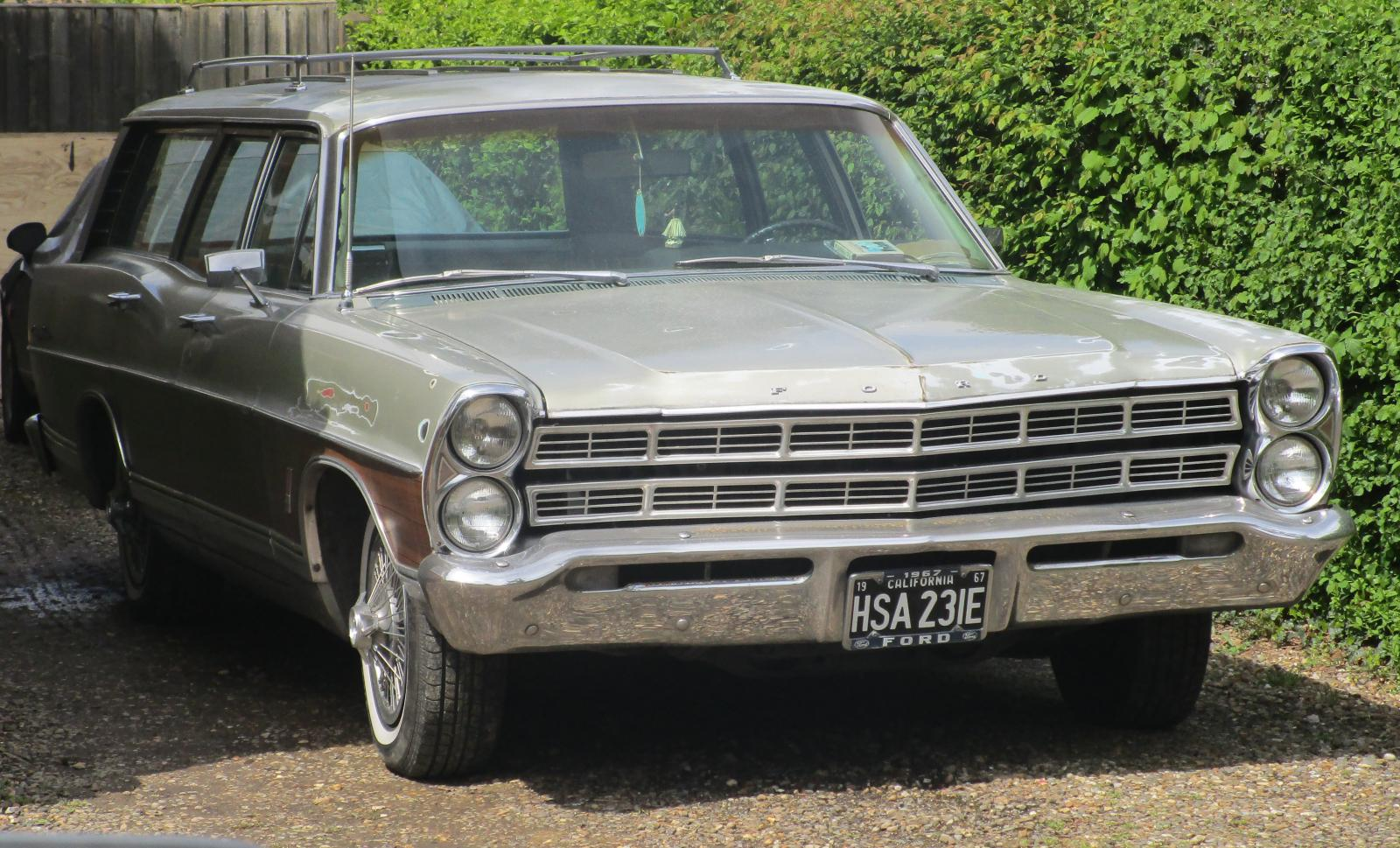 1967 Ford Fairlaine estate.JPG