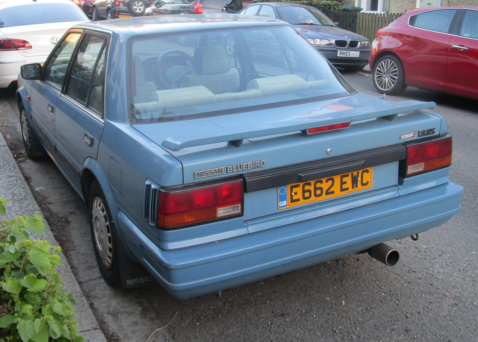 1988 Nissan Bluebird GS saloon.JPG