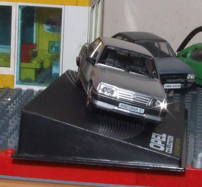 Eaglemoss Opel Ascona C front.JPG