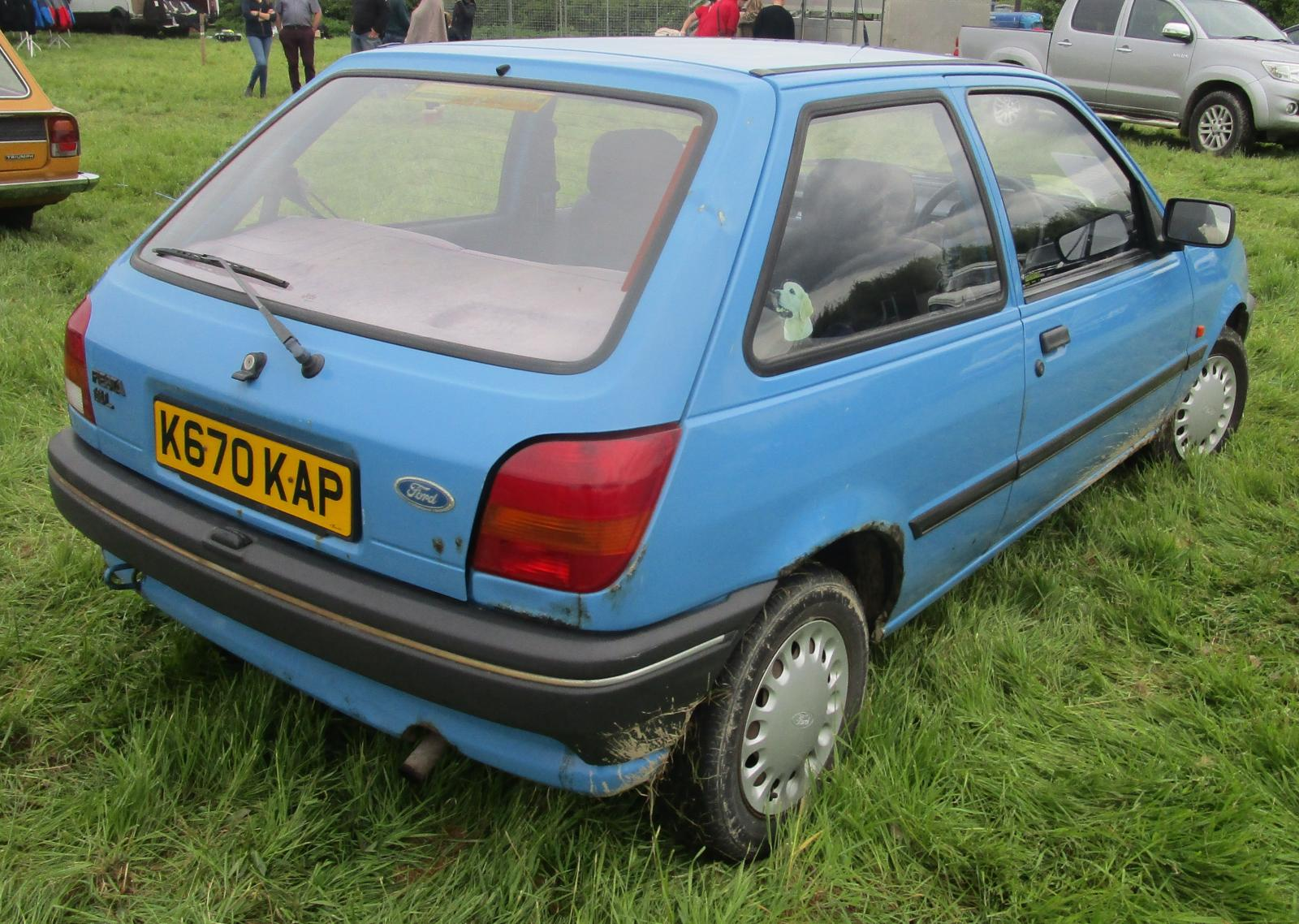 1992 Ford Fiesta 1.1 L 3 door June 2014.JPG