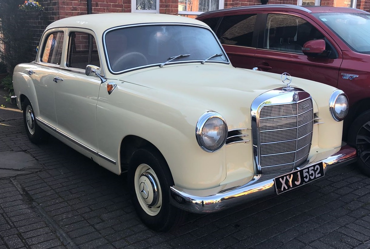 1961 Mercedes 190 D W121 Jan 2018 Horley.jpg