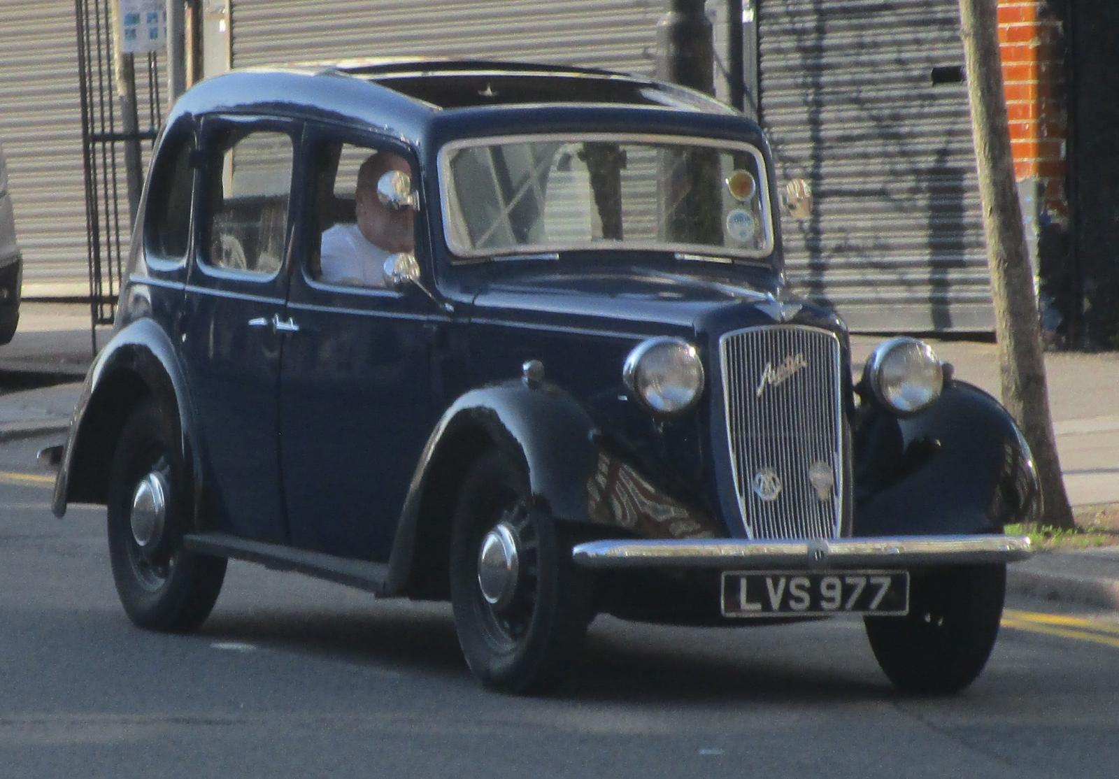 1938 Austin 10-4 Cambridge.JPG