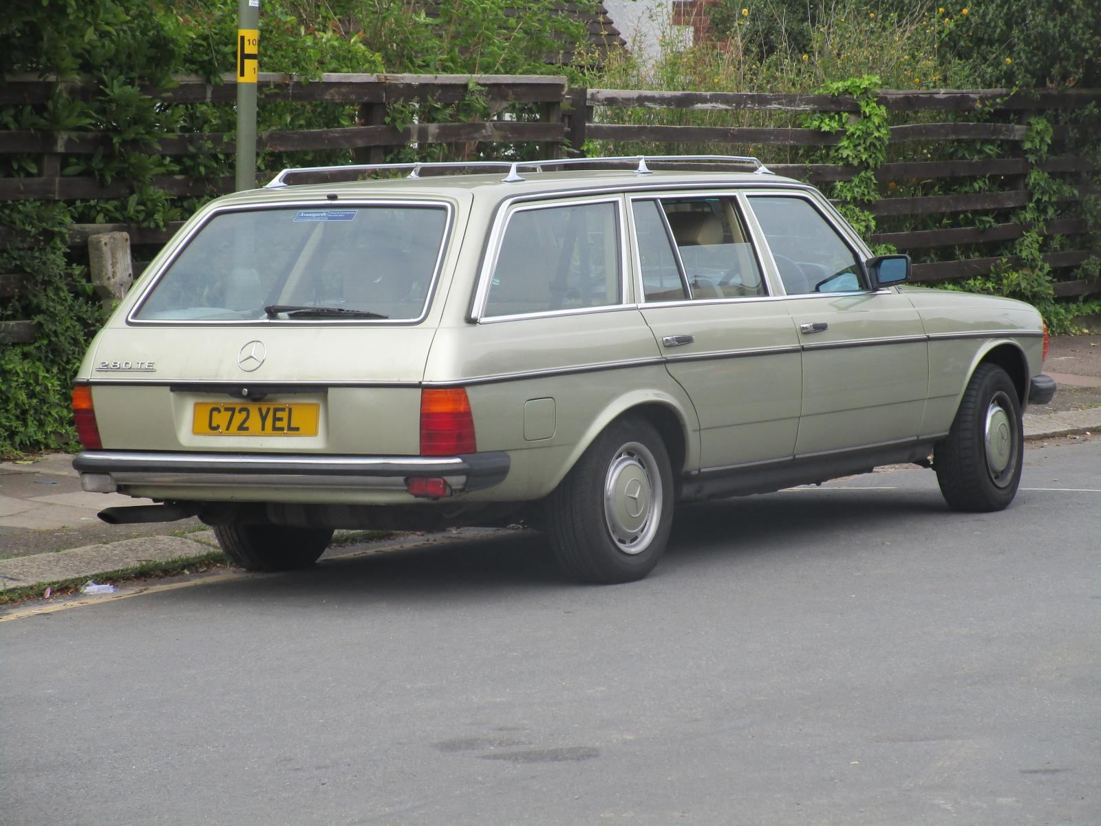1985 Mercedes-Benz 123 Series 280 TE Auto estate Sep 2017 GG.JPG