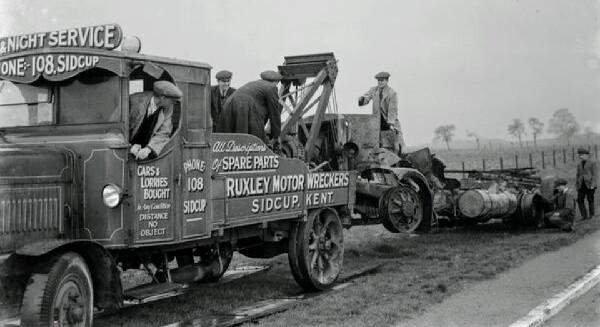 the-wreckage-of-lorry-taken-by-a-ruxley-motors-10990522.jpg
