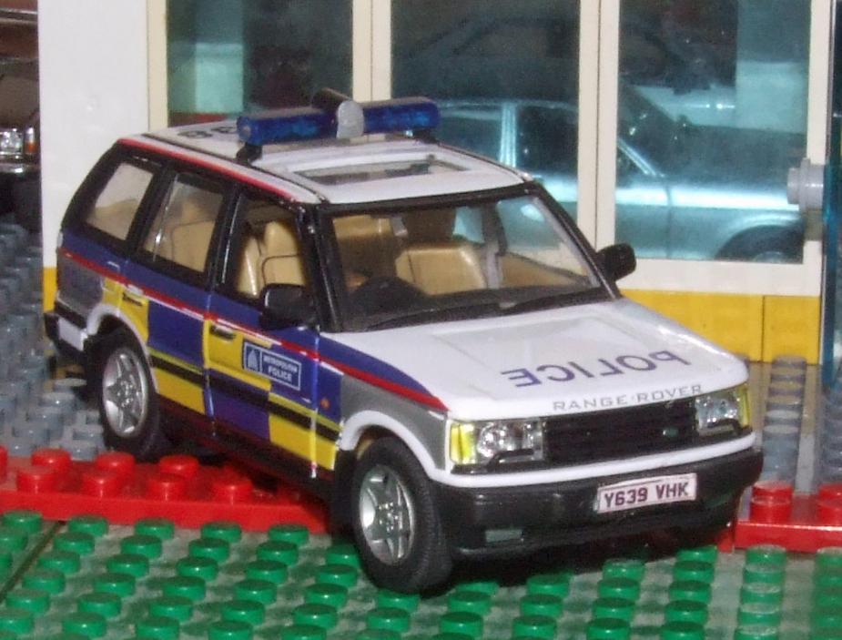 Cararama P38 Rangey Met Police frt.JPG