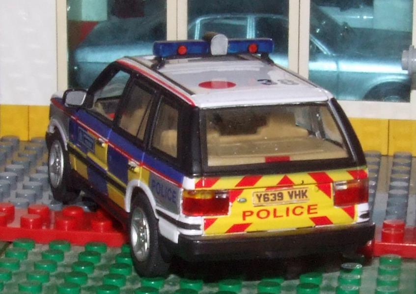 Cararama P38 Rangey Met Police rear.JPG