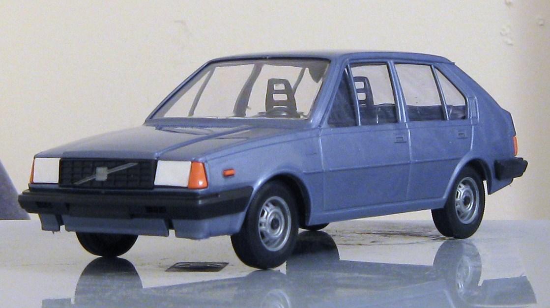Volvo 345GLS.JPG