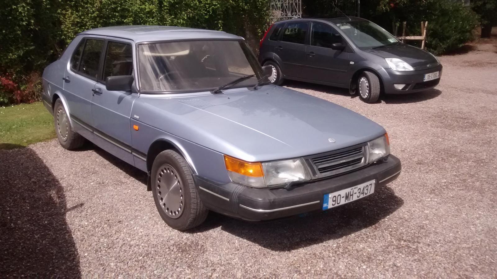 Saab 900i.jpg