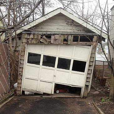 broken-garage-door.jpg