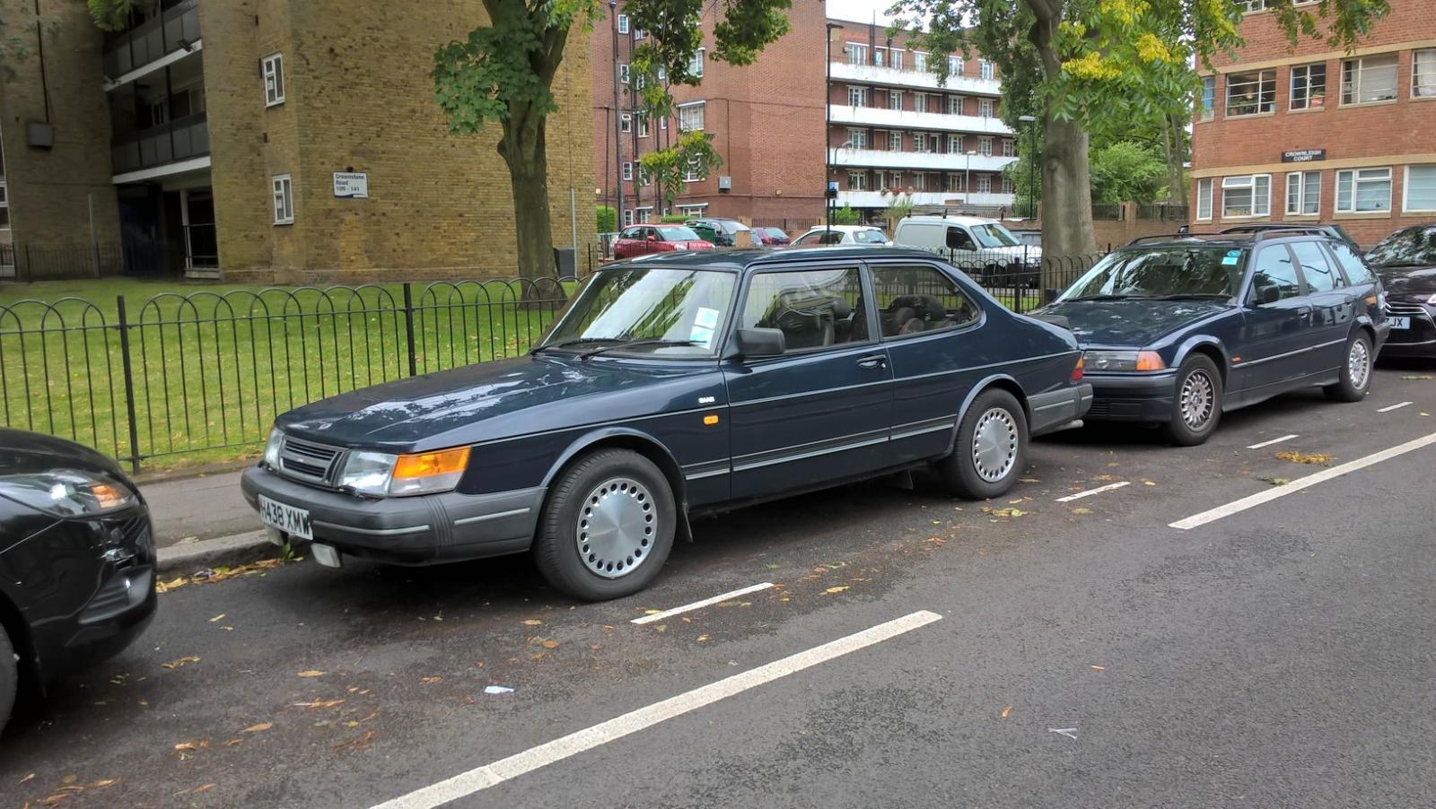 Saab 900.jpg