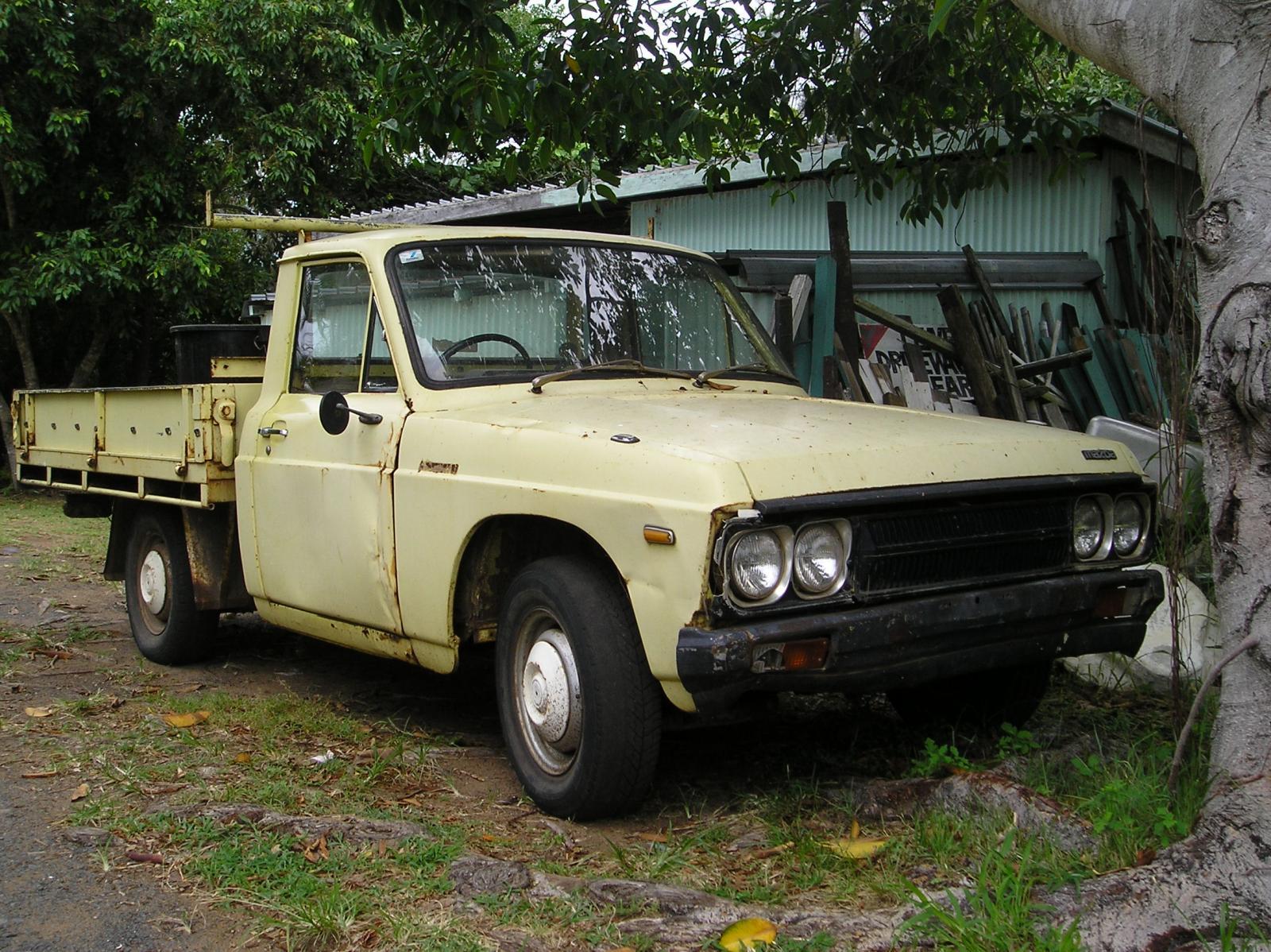 P1150091 Rusty Old Mazda Pickup, Turtle Sands.JPG