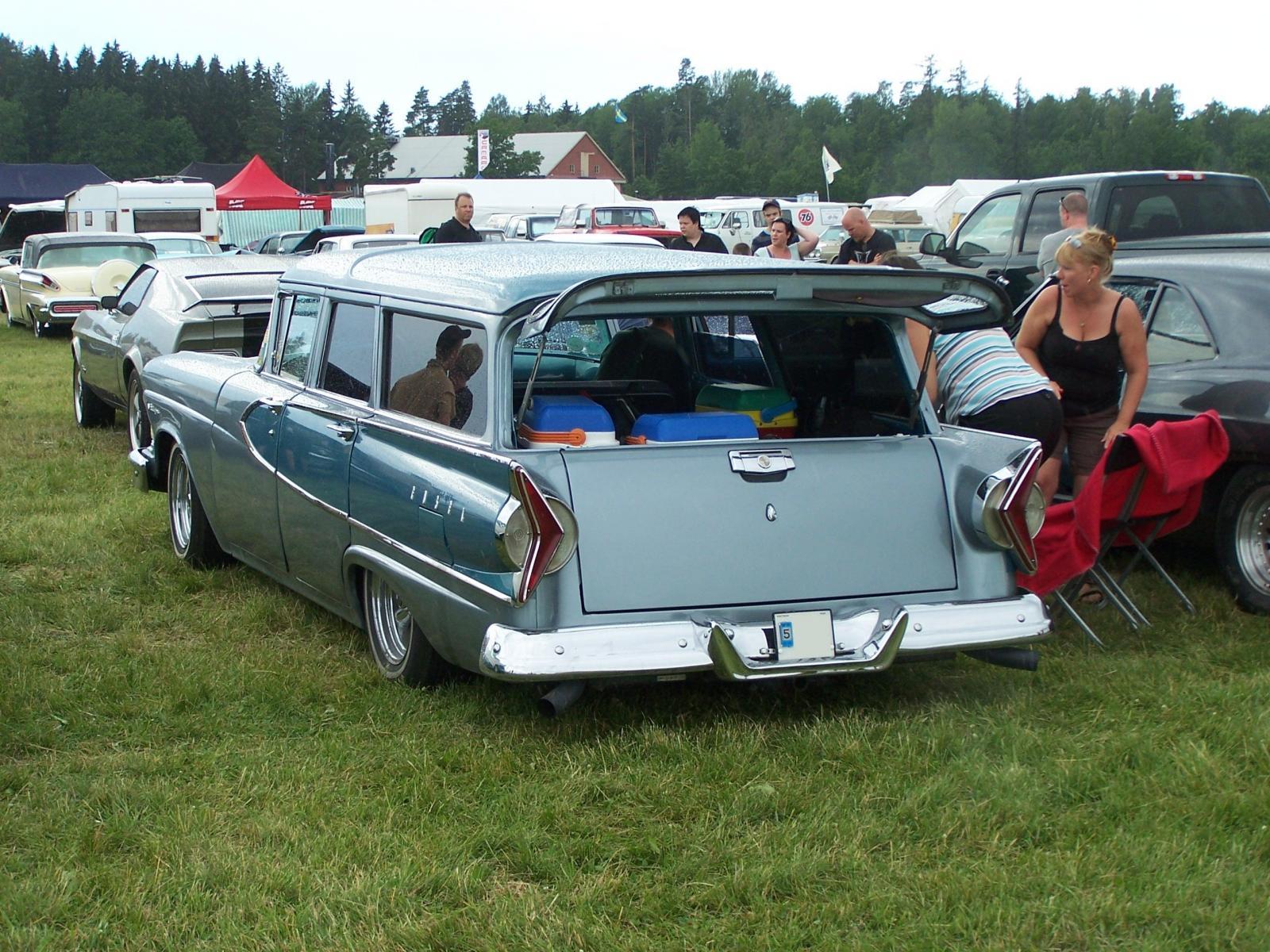 1958_Edsel_Villager_4-dr_wagon.JPG