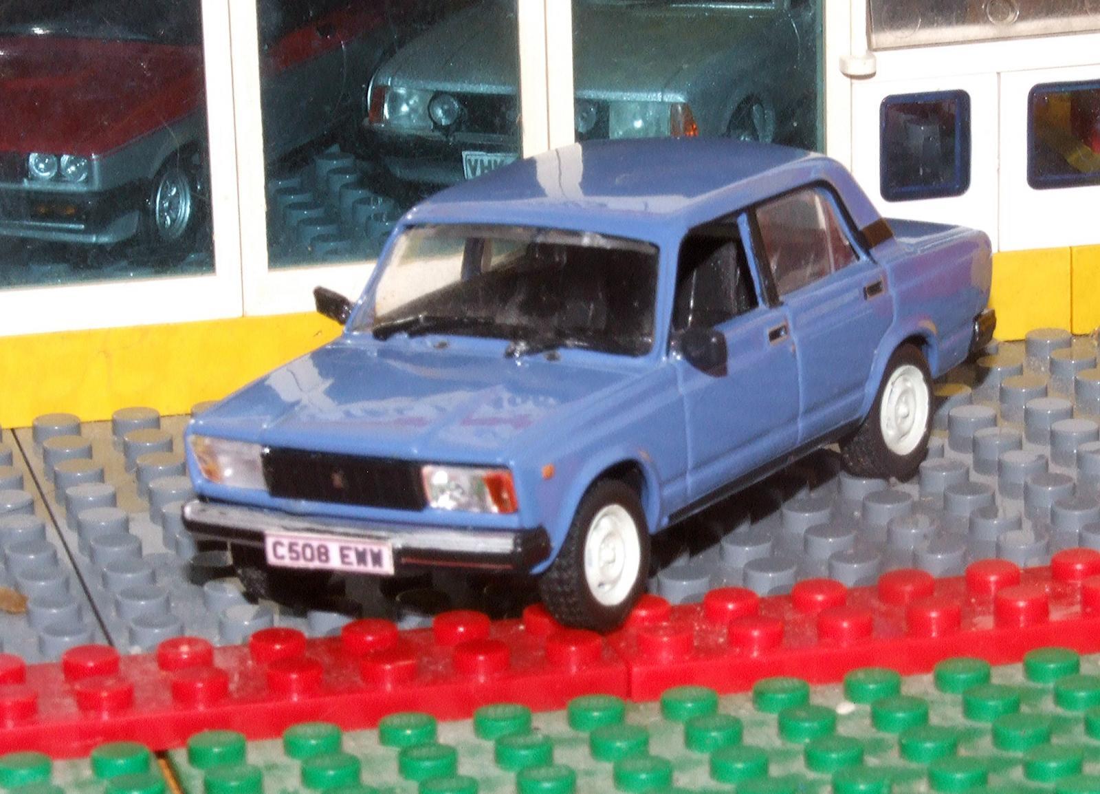 DeAgostini Lada Riva rhd front.JPG