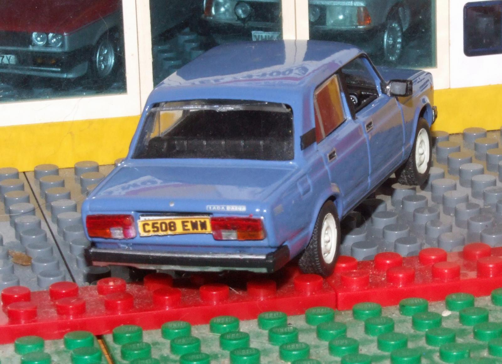 DeAgostini Lada Riva rhd rear.JPG