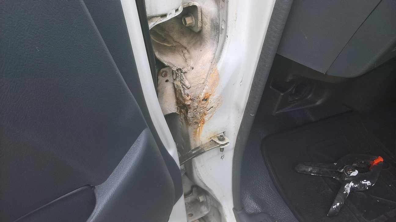 5 Door rust.jpg