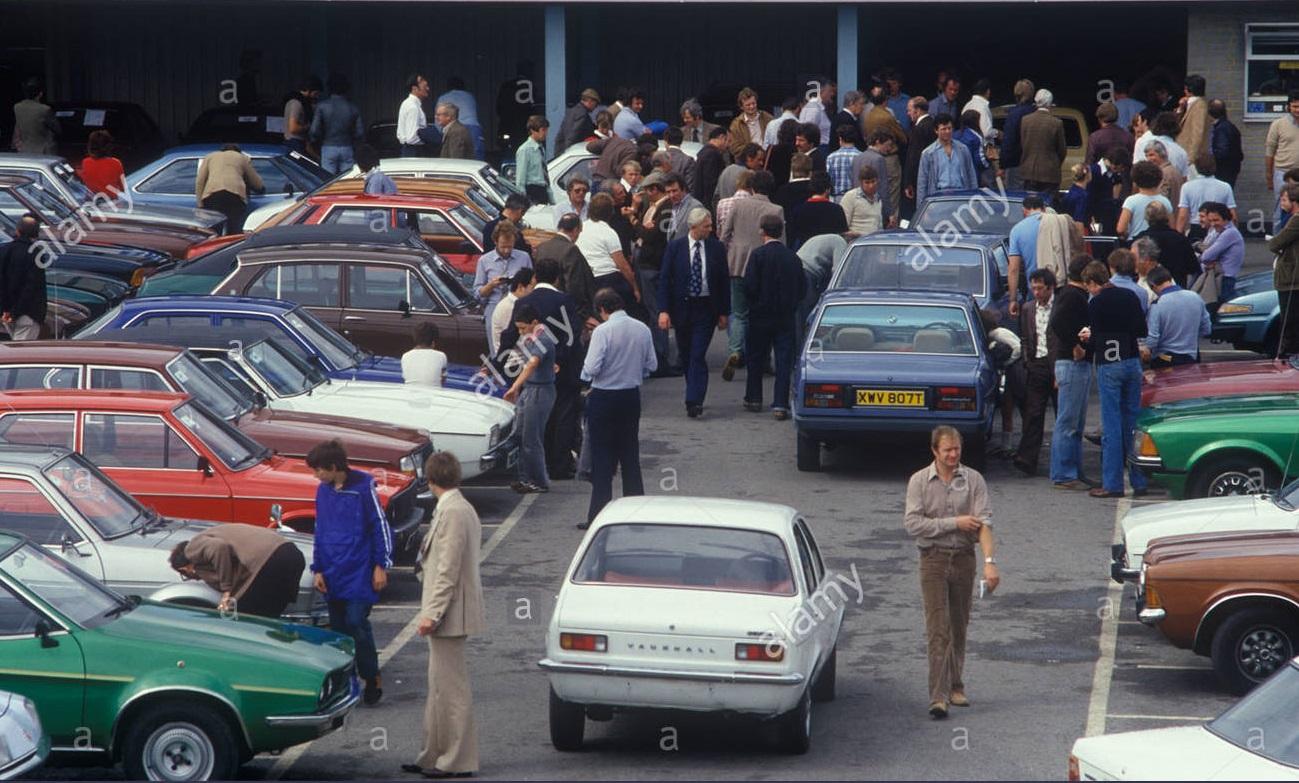 british-car-auction-motor-trade-1980s-london-uk-DKTAM6.jpg