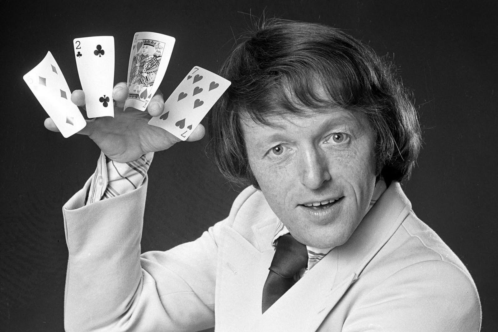 Paul-Daniels--1981.jpg