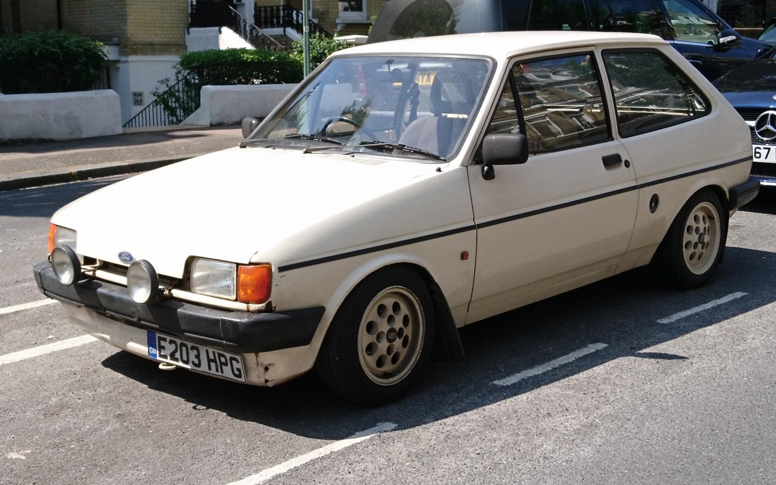 1988 Ford Fiesta Popular Plus.JPG