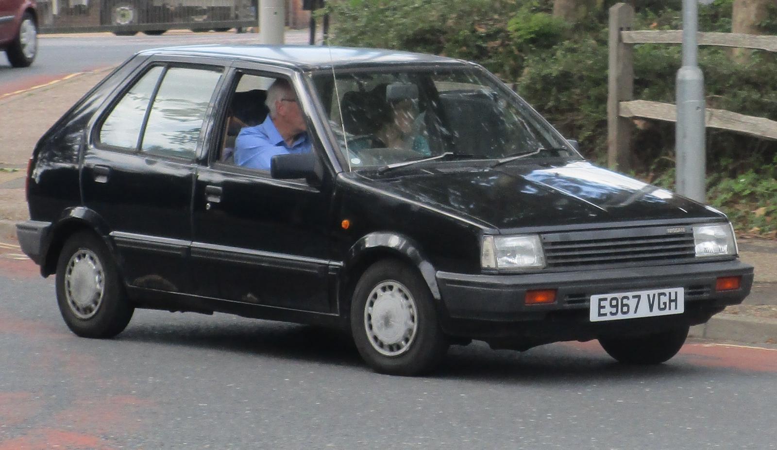 1987 Nissan Micra 1.0 SGL auto Mar 1990.JPG