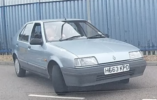 1991 Renault 19 Prima 1.4 Energy July 2013.jpg