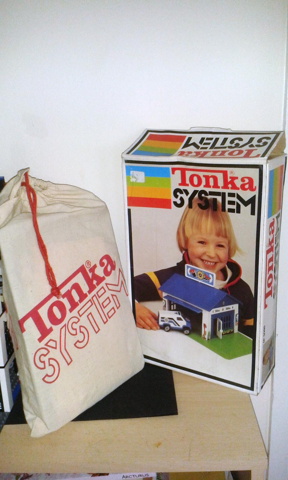 Tonka System Pol Stn bag & box.jpg