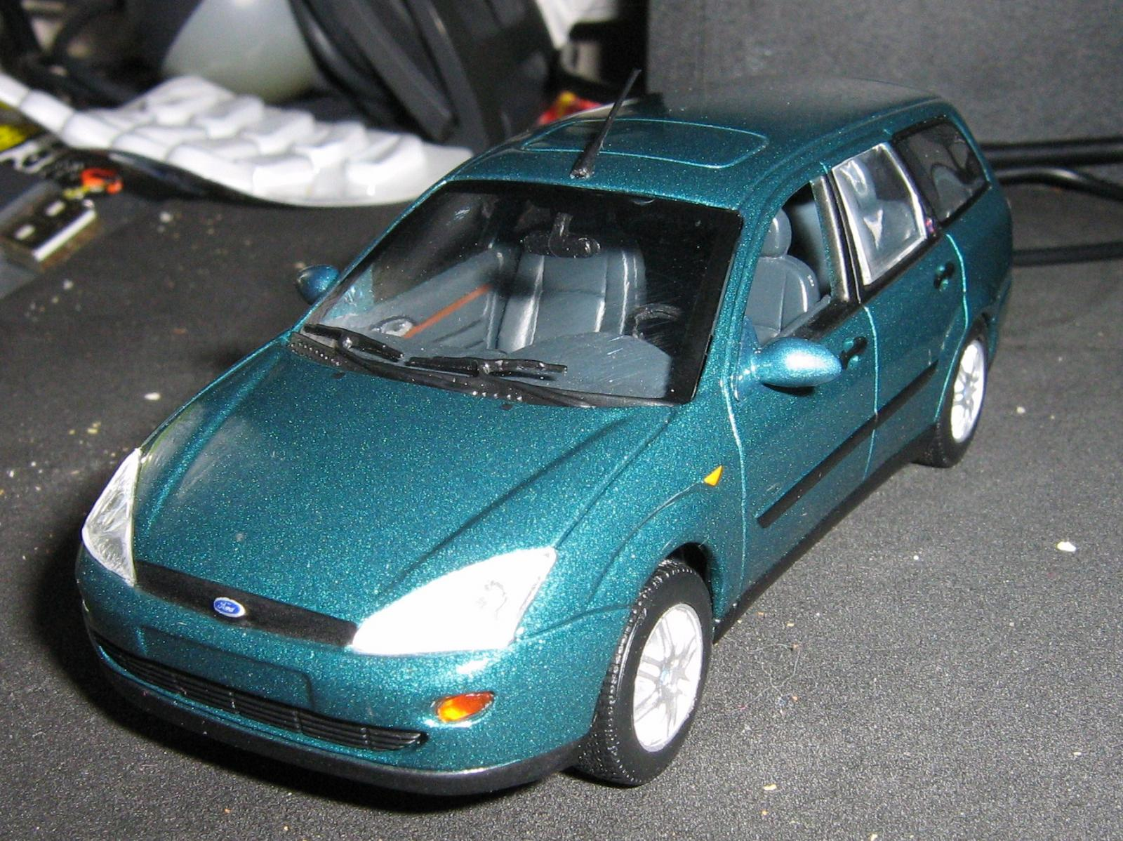 Minichamps Focus estate ft.JPG