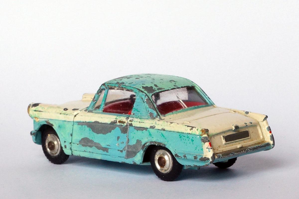 Corgi-Triumph-Herald-Coupe-Rear.jpg