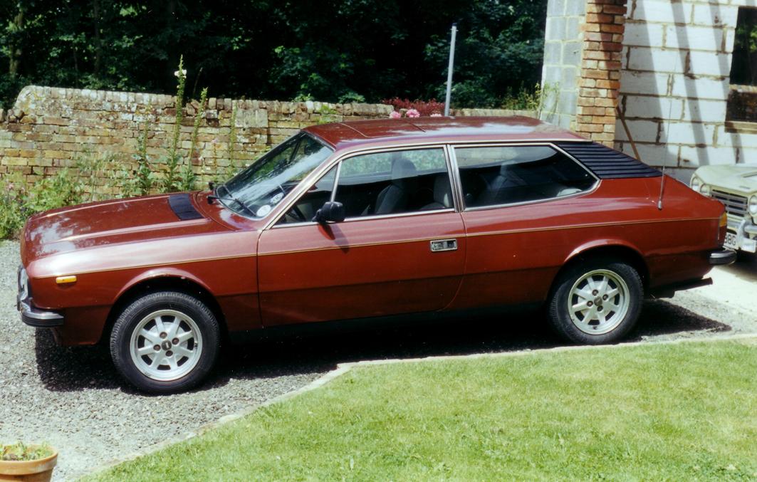 Lancia HPE Red Met ULY 442X 04 broad.jpg