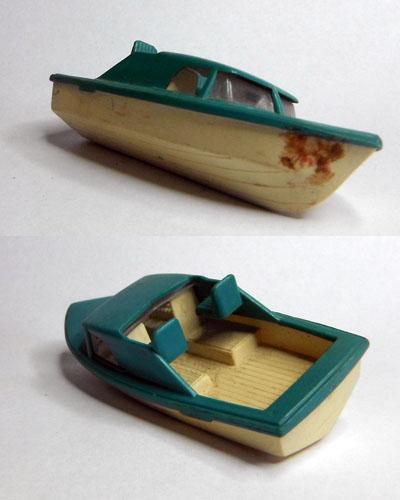 09-BoatAndTrailer.jpg