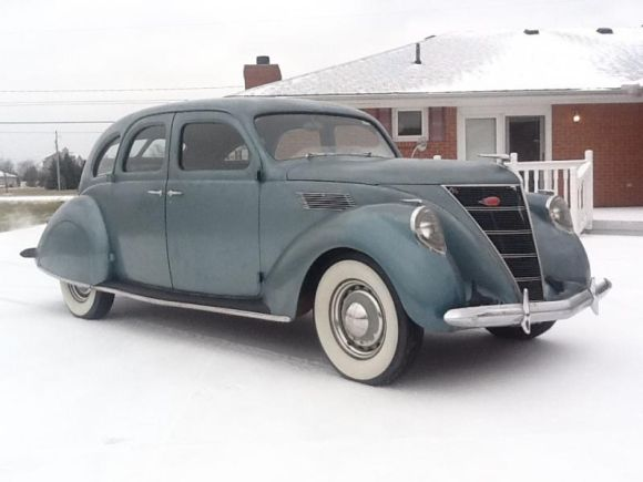 1937-Lincoln-Zephyr-Front.jpg