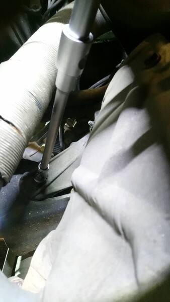 1250632379_rearbolt.thumb.JPG.ccb394f4b99c668f5001e801fba6081d.JPG