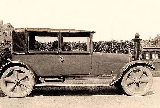 1920_Angus_Sanderson_14%20HP_Landau.jpg