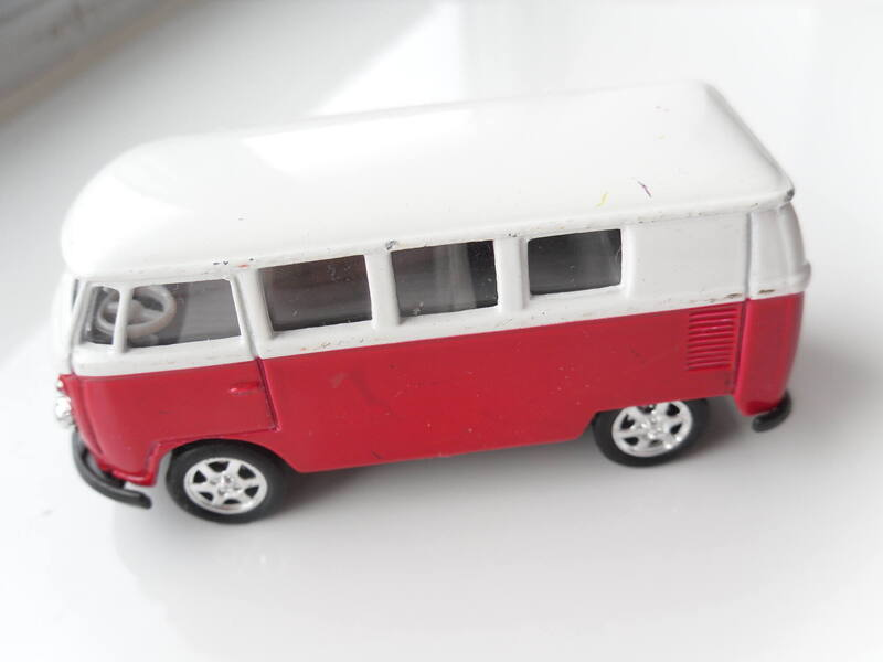 1357663516_VWbus002.thumb.JPG.b619bdbe5b8362915b0e4d8b8c3cb9fd.JPG
