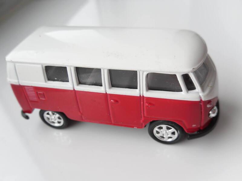 808517597_VWbus001.thumb.JPG.89f8aa9f216dd2cc749f85ee1ccffba7.JPG