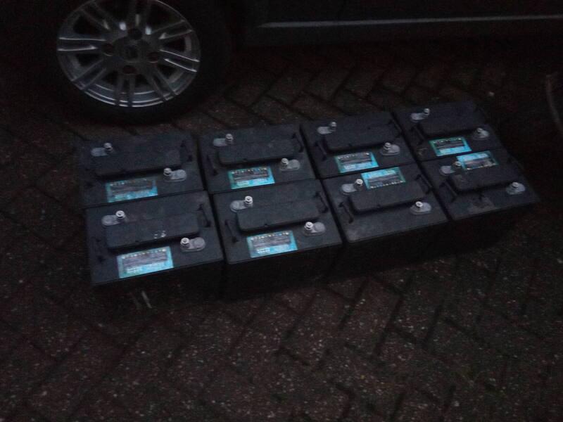 batteries.thumb.jpg.7af3110d1371af7b4cb235331c503c97.jpg